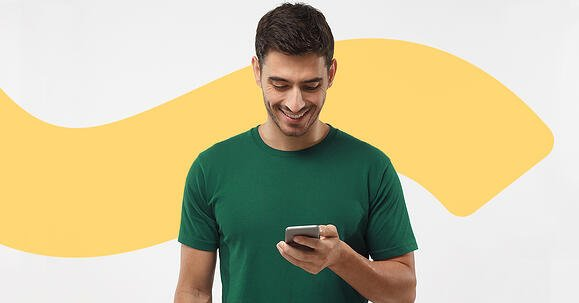 man using the learning lifecycle platform from a smartphone